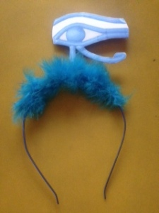 The One's souvenir from the Katy Perry concert: a headband with a cyclops eye